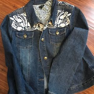 Denim jacket with white flower embroidery